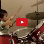Bizar: Drummer van 23 maanden oud!